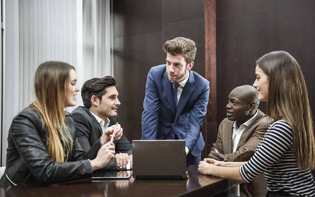 Qual é o papel do líder para o desenvolvimento do colaborador?