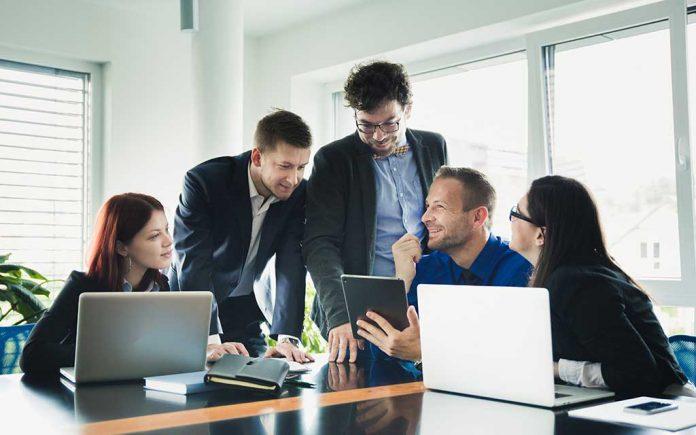 4 maneiras de usar o sistema de RH da Peex Brasil para manter e equipe engajada